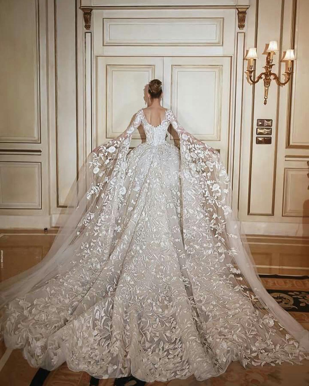 вам нравится самые шикарные и дорогие свадебные платья фото изрыл