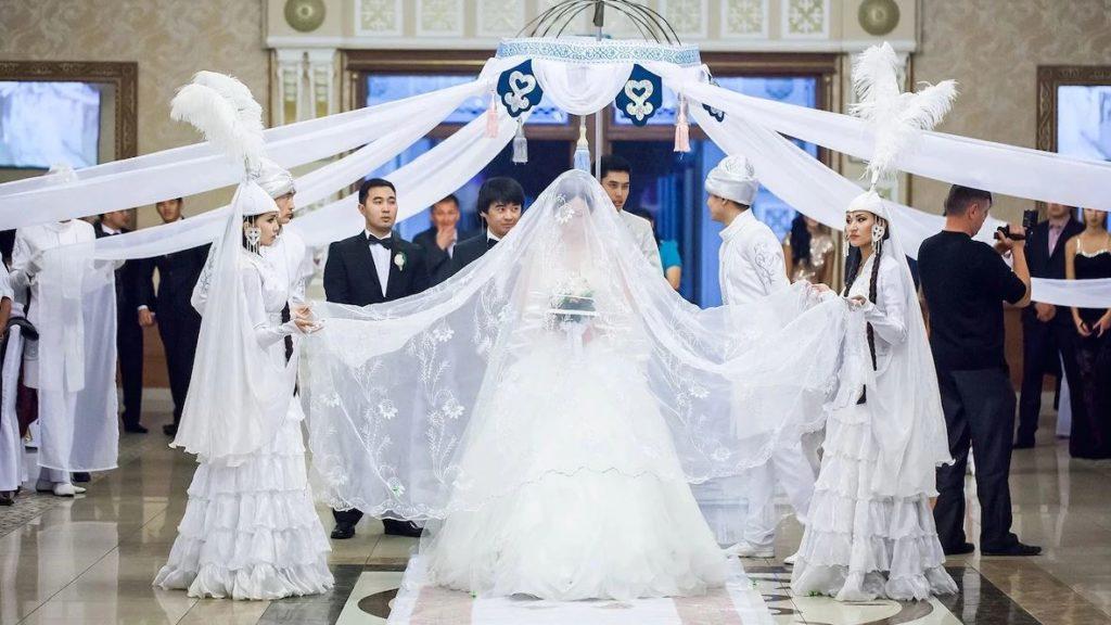 казахские свадьбы фото с рамками овощными салатиками