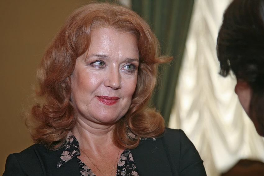 «Ушел и не вернулся» Ирина Алферова со слезами рассказала о расставании с Абдуловым