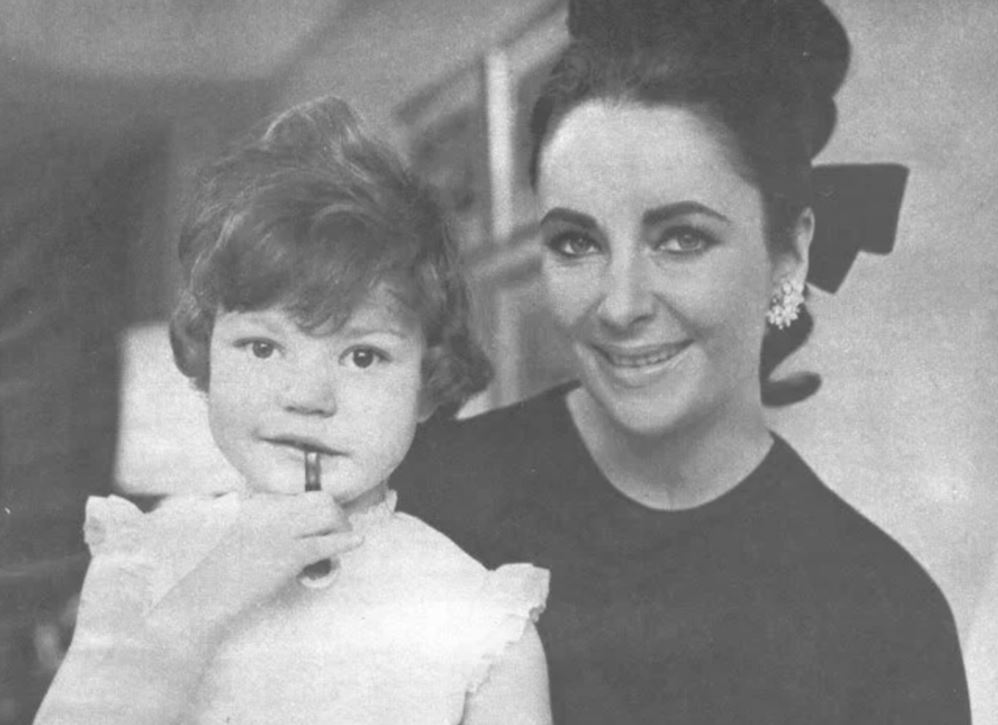 Элизабет Тейлор — самая красивая женщина 20 века. Унаследовали ли её дети красоту матери