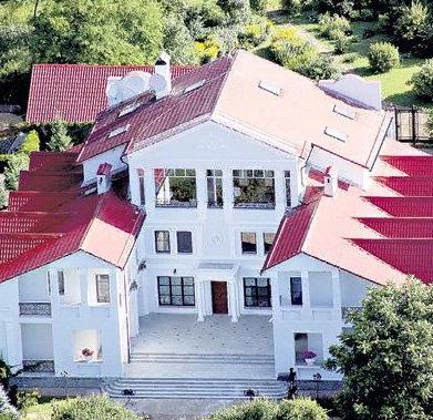 Бабуля подарила. Как выглядит роскошный особняк Преснякова стоимостью в 1 млн. долларов